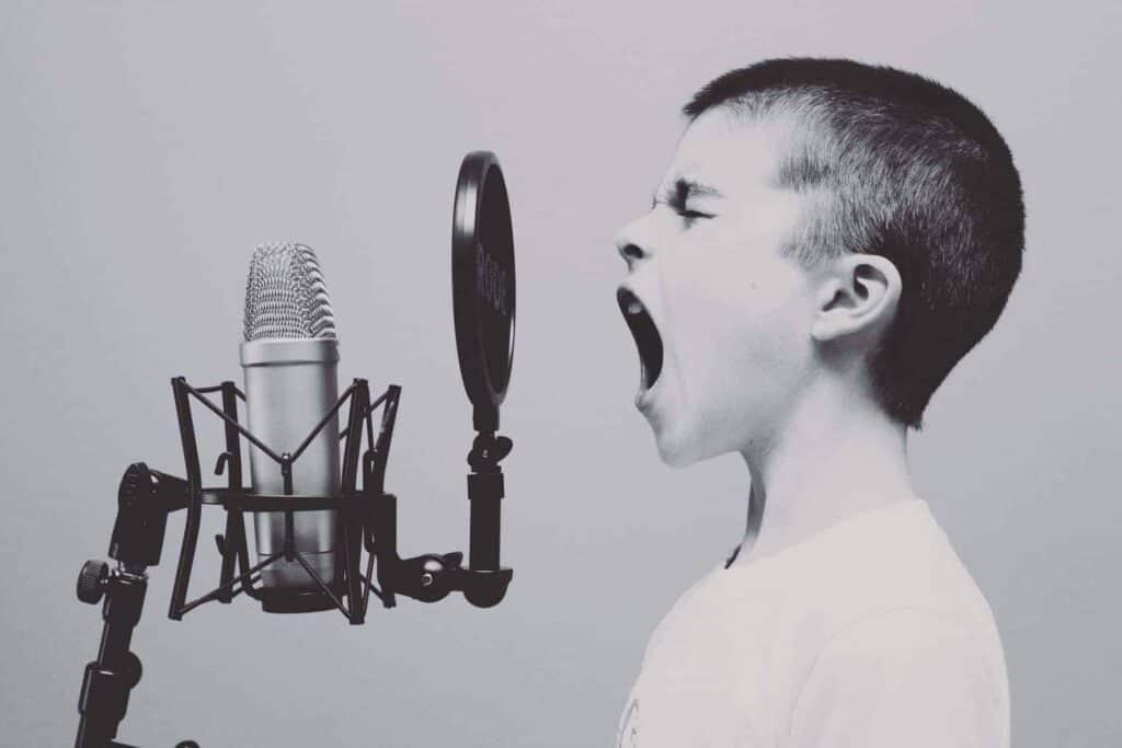 control-voz-siri-domotica